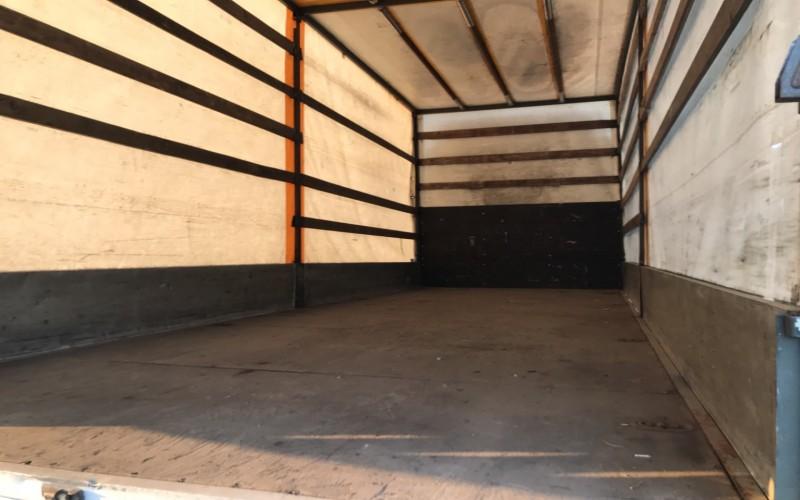 Camion Iveco 75 E 18