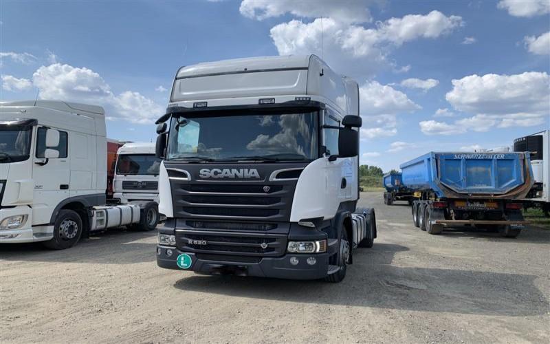 Cap tractor Scania R 520