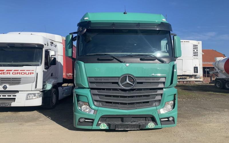 Cap tractor MERCEDES BENZ ACTROS 18.450