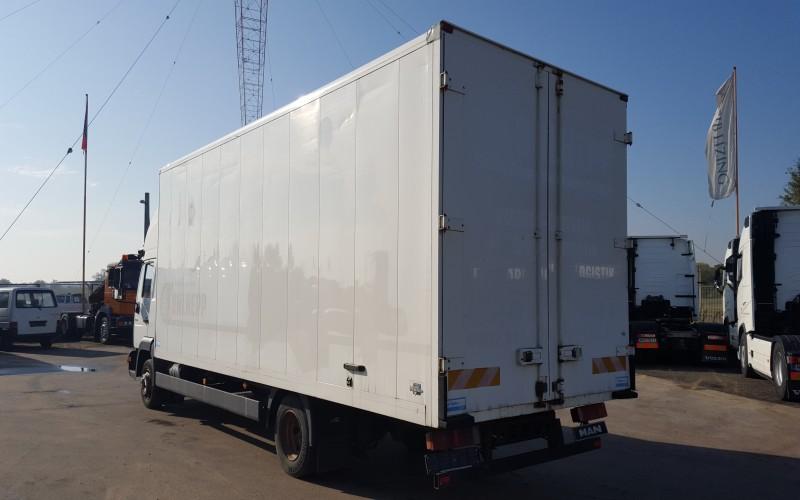 Camion MAN  LE 8.180